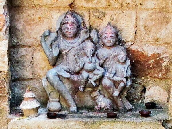 Famille de Ganesh Surang Tila Sirpur