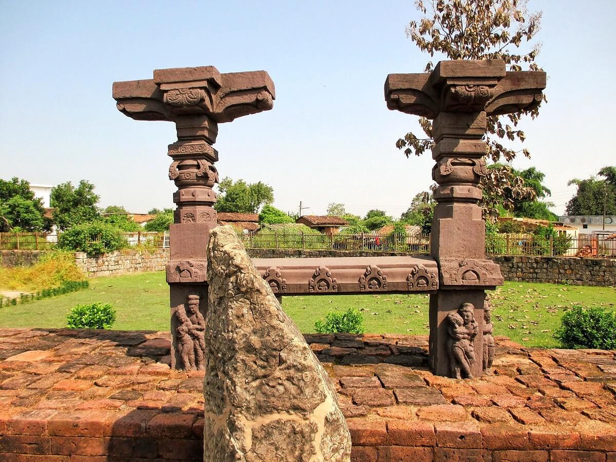 Temple de Baleshwar à Sirpur Chhattisgarh Inde