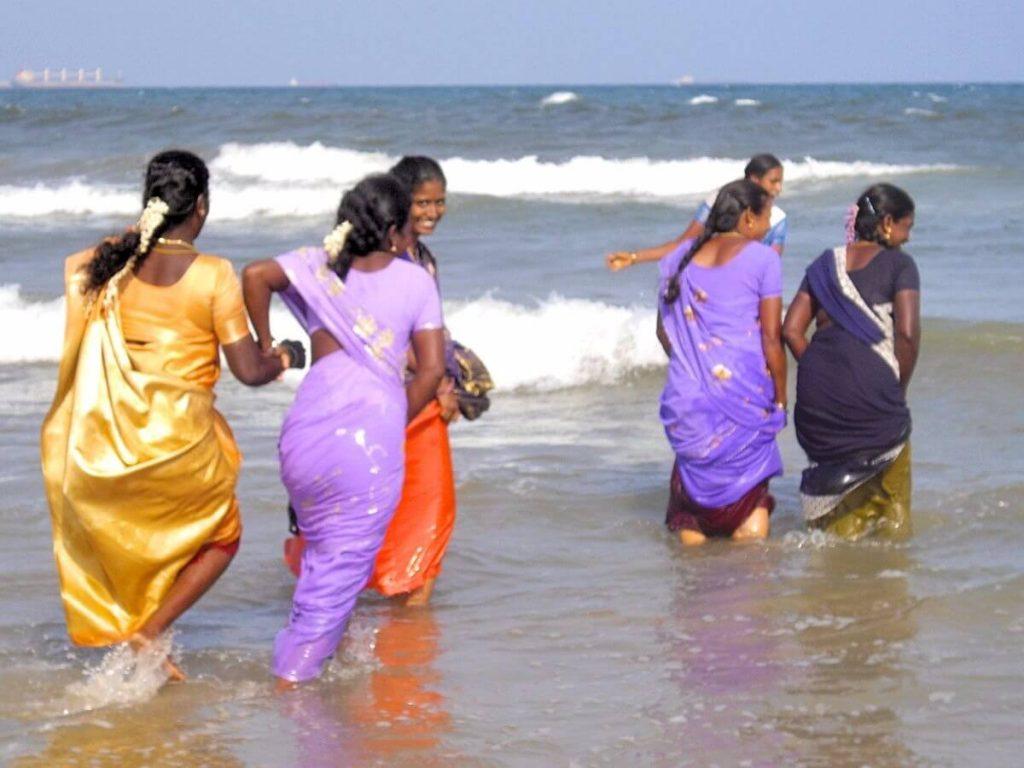 Plage de Chennai Tamil Nadu Inde sarees