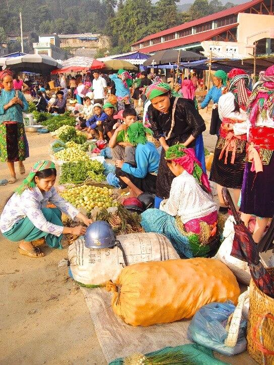Marché des minorités ethniques du Nord du Vietnam - Meo Vac