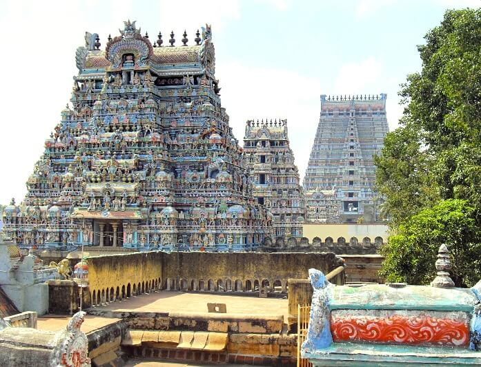 Famous temples in tamilnadu - Temple of srirangam in Trichy
