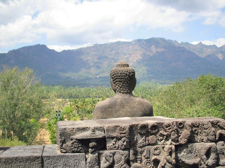 Bouddha du temple de Borobudur île de Java Indonésie