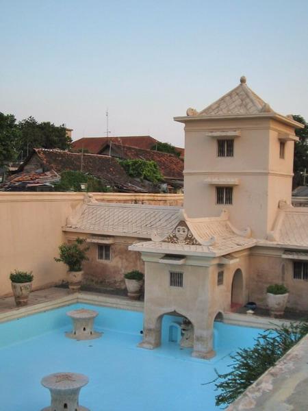 Yogyakarta Sultan palace bath