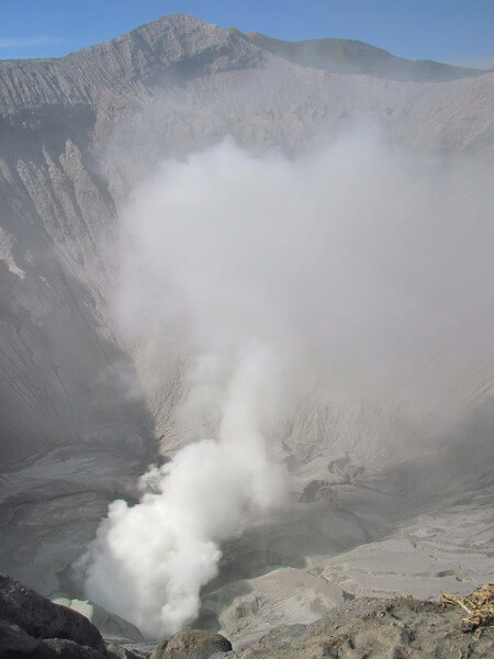 We organised our own Bromo tour package by renting a jeep close to our hotel, cafe Lava Bromo in Cemero Lawang