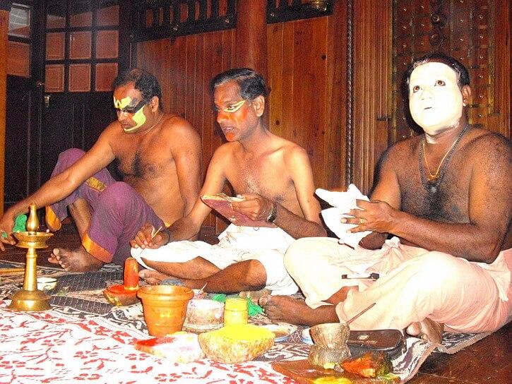 Things to do in Kochi: watching a classical dance of Kerala show, kathakali