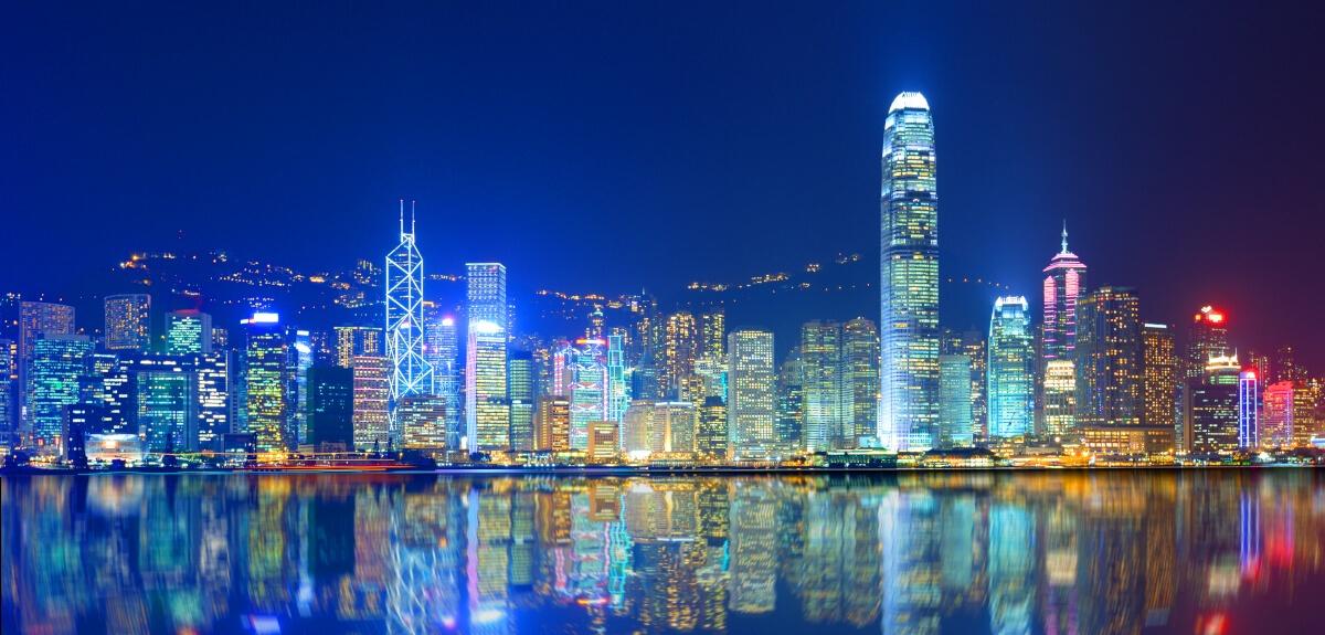 Quoi faire à Hong Kong le soir : visiter la baie et ses illuminations
