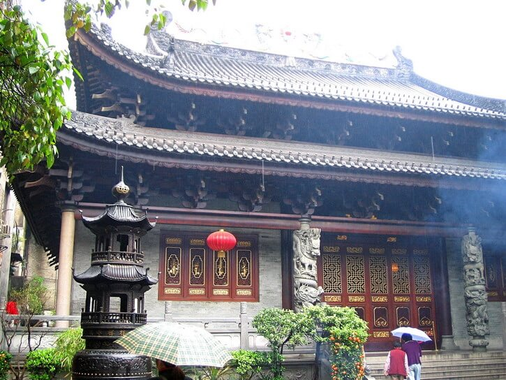 Tourist places in Canton Guangzhou : Hua Lin temple