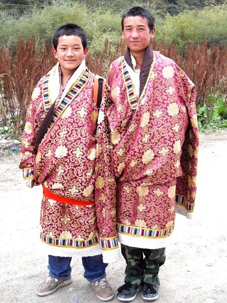 Is backpacking China solo possible - young Tibetans in Labrang monastery in Xiahe Gansu