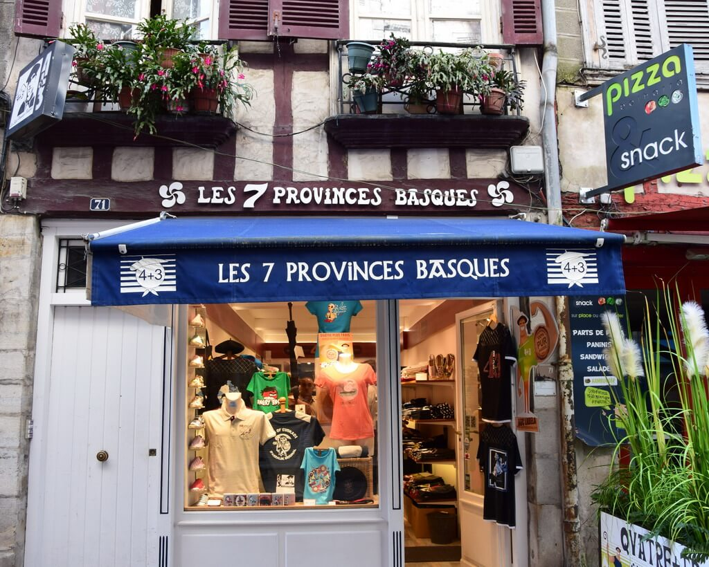 Visit Bayonne and its traditional shop selling basque clothes