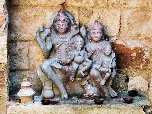 A statue of Lord Ganesha's family