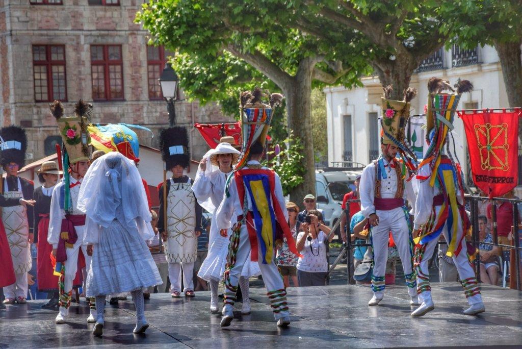 Basse-Navarre dancers