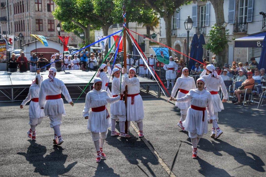 Danseurs basques du Guipuscoa