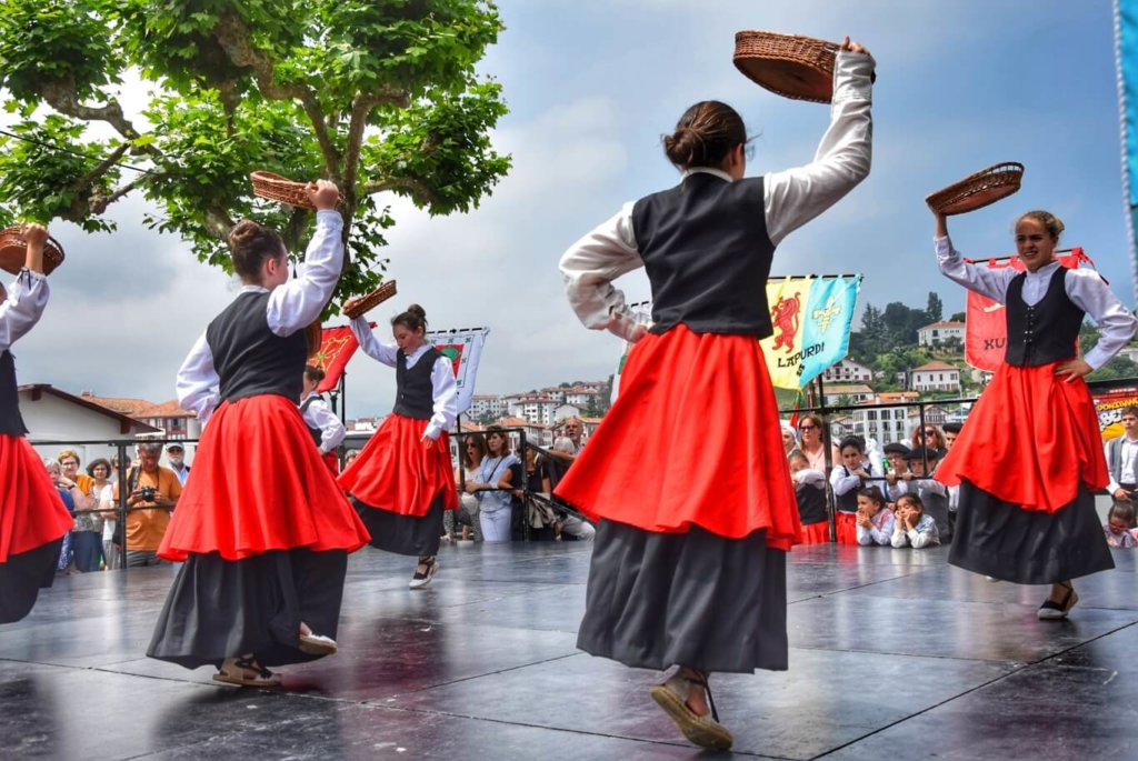Danseuses traditionnelles de l'Alava