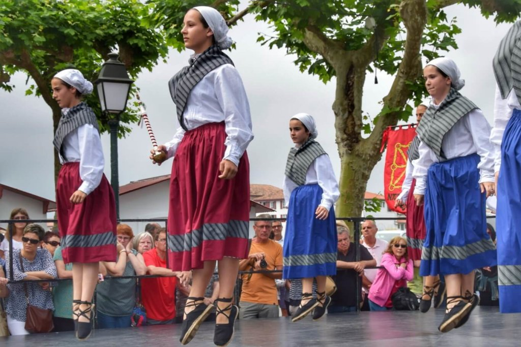 Navarre Basque dancers