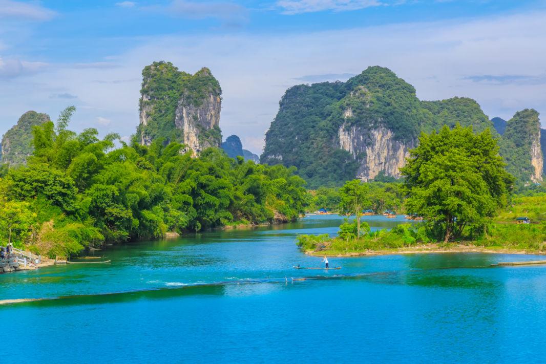 Pics karstiques entre Xinping et Yangshuo sur la rivière Li