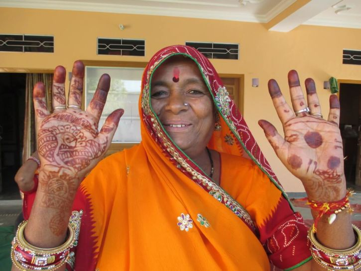 Have fun discovering a few Indian traditions in For Matrimonial Purposes