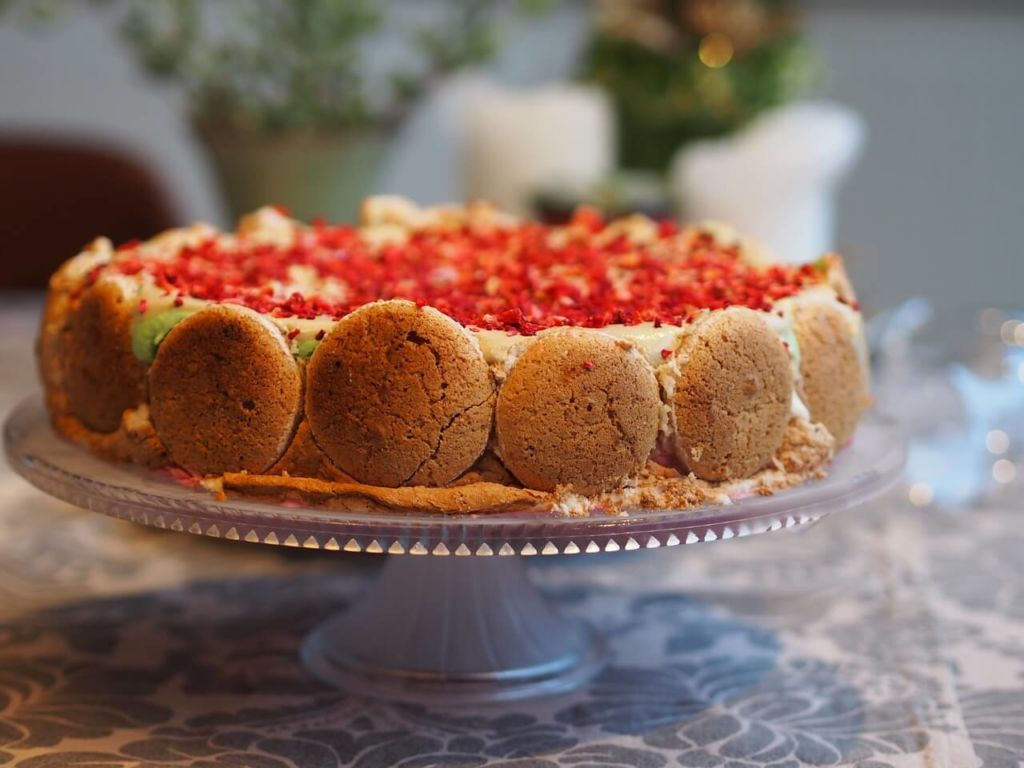 macarons sur un gâteau