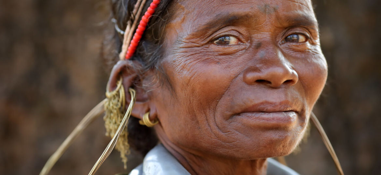 Femme de la tribu Gadaba avec ses ornements traditionnels