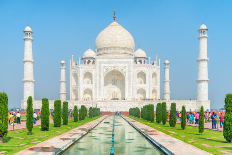 Taj Mahal with its fountain from the entrance