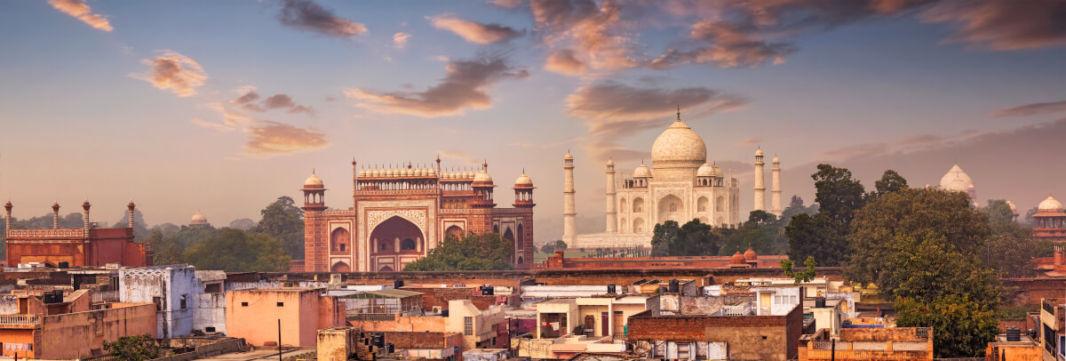 Vue sur le Taj Mahal depuis les terrasses