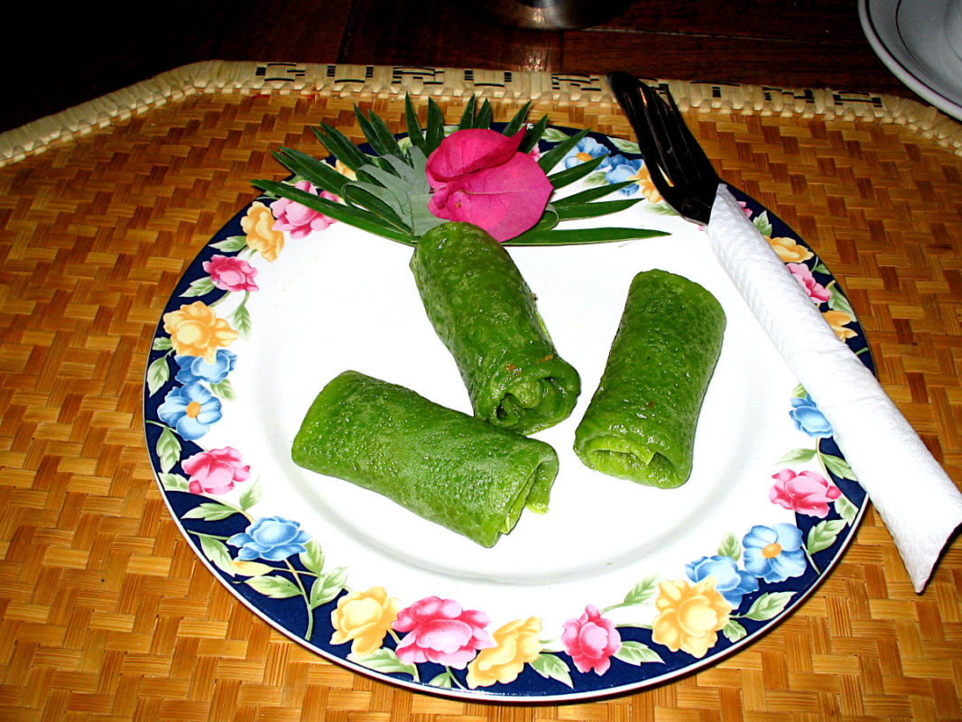 Green coconut nems with flowers