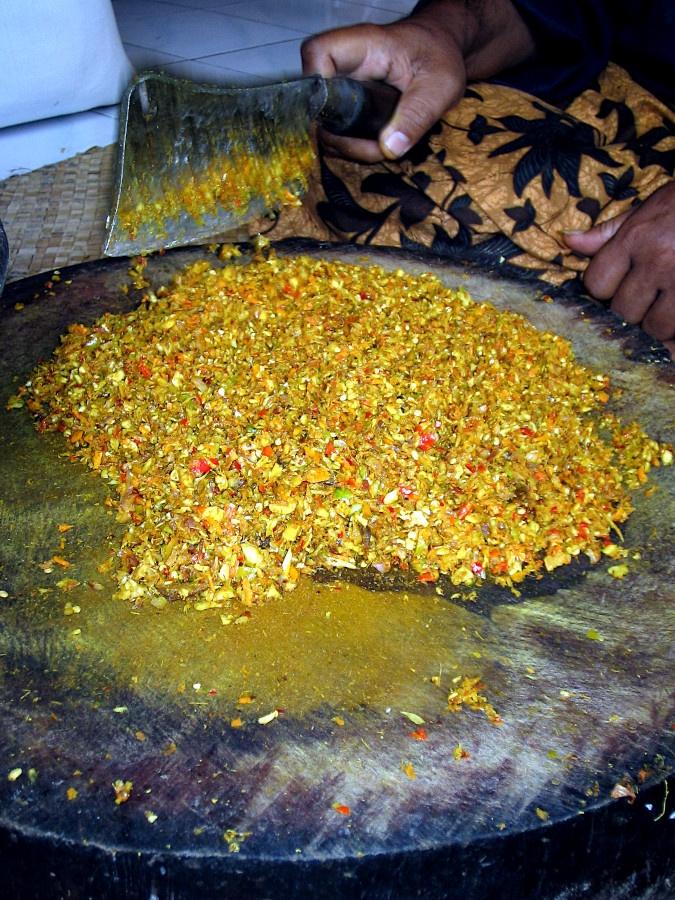 Preparation of a Balinese dish looking like Sri Lankan kottu